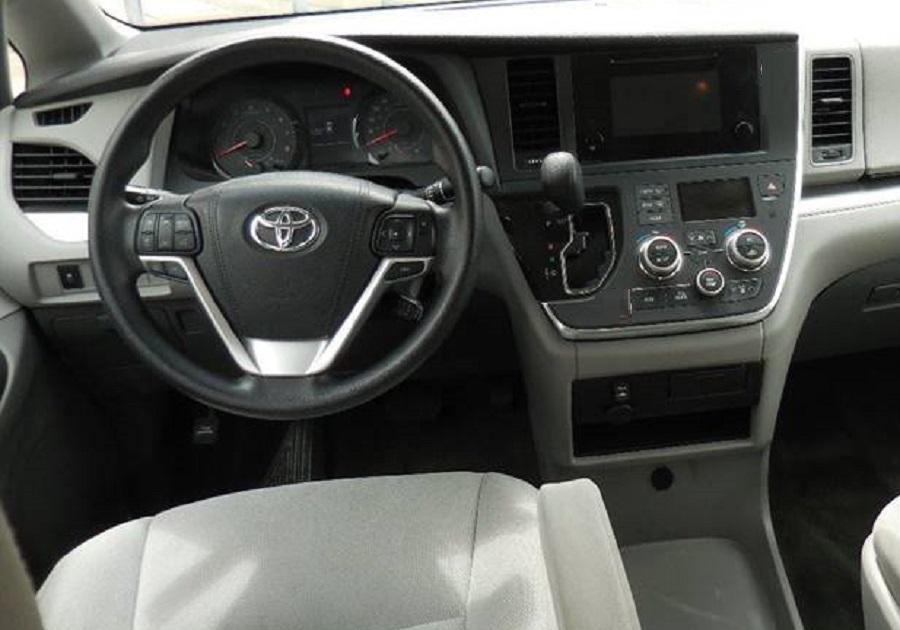 Toyota Sienna 2015 Interior