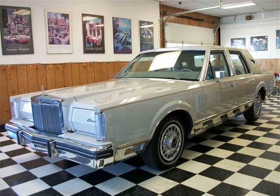 Lincoln Continental 1982