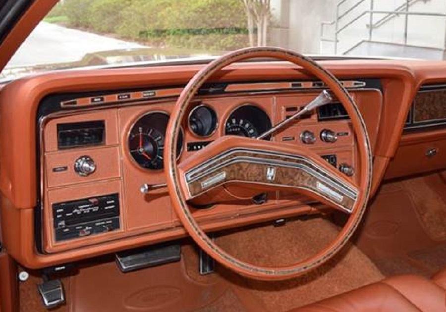 Ford Thunderbird 1975